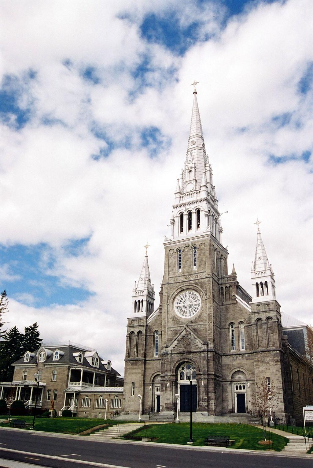 Glise sainte th r se d 39 avila le monde en images - Eglise sainte therese guilherand granges ...